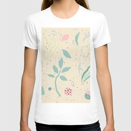 Seamless delicate floral pattern  T-shirt