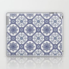 White & Blue Contemporary Floral Pattern Laptop & iPad Skin