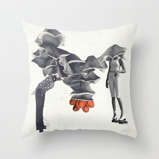 La tête dedans Throw Pillow