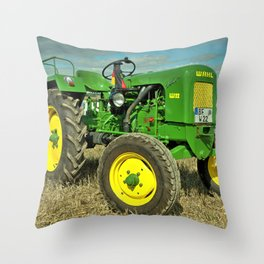 Wahl W22 Throw Pillow