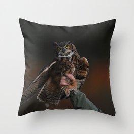 owl bird photo Throw Pillow