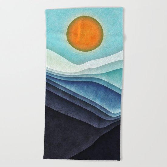 Sunshine Over Blue Mountains Beach Towel