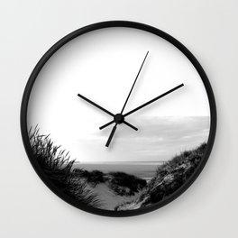 Hors du temps Wall Clock