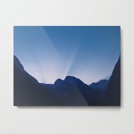Cold Mountain Sunrays Metal Print