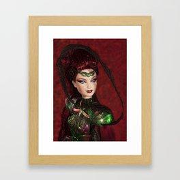 Chica Alienigena Framed Art Print