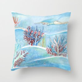 underwater life Throw Pillow