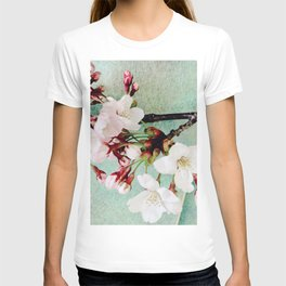 "Cherry blossoms on ""Wa-shi""  -桜に和紙 T-shirt"