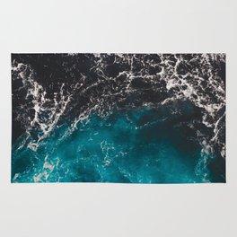 Wavy foamy blue black ombre sea water Rug