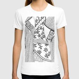 Black and white kimono art T-shirt