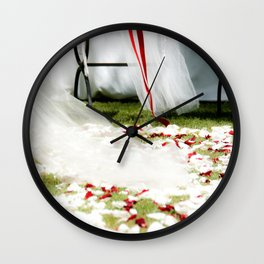 Wedding day, veil | Matrimonio, velo. Wall Clock