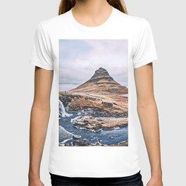 Kirkjufellsfoss Kirkjufell Mount autumn icelandic landmarks cliffs HDR Grundarfjordur Iceland Europe T-shirt