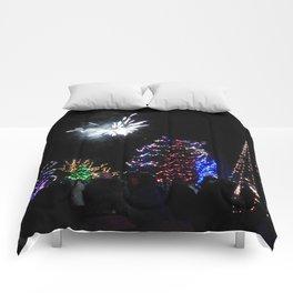 Christmas/Hanukkah  Blast (Photo by Valeen Etterlein) Comforters