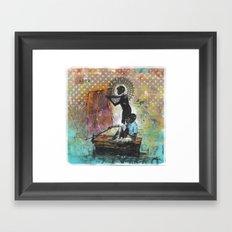 Sobre Agua Framed Art Print