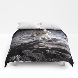 Apollo 11 - Iconic Buzz Aldrin On The Moon Comforters