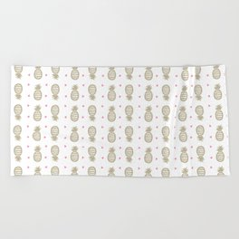 Golden pineapple pattern Beach Towel