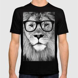 Hippest Lion with glasses - Black and white photograph T-shirt