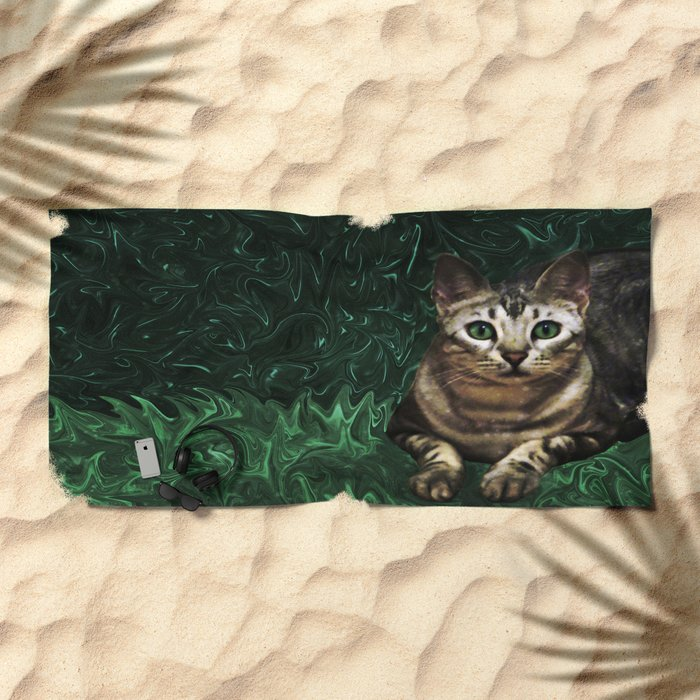 Green Grass Cat Eyes of a Marble Lepre-cat Beach Towel