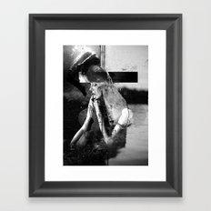 La fille Danse Framed Art Print