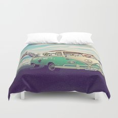 NEVER STOP EXPLORING THE BEACH Duvet Cover
