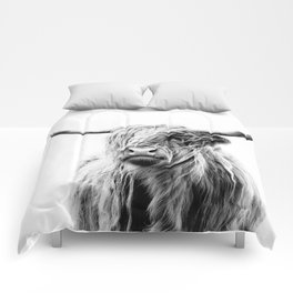 portrait of a highland cow (horizontal by request) Comforters