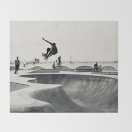 Skateboarding Print Venice Beach Skate Park LA Throw Blanket