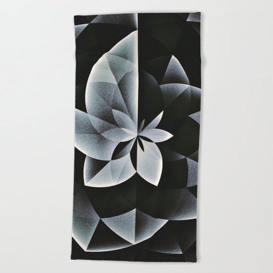 noyrflwwr Beach Towel