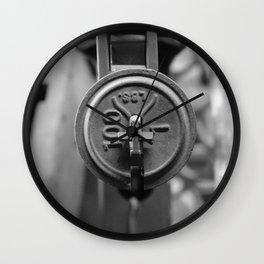 100/1 LBS Wall Clock