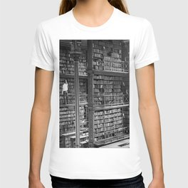 A book lovers dream - Cast-iron Book Alcoves Cincinnati Library black and white photography T-shirt