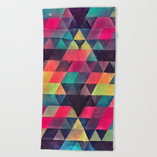 fyx th'pryss Beach Towel
