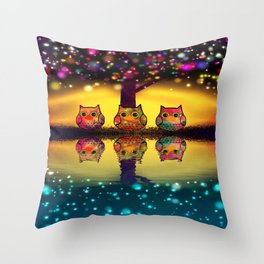 owl-202 Throw Pillow