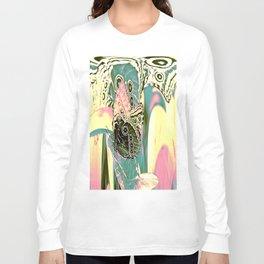 Butterfly in Spacy Freaky Wonderland  Long Sleeve T-shirt