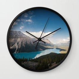 Une journée dans les rocheuses Wall Clock