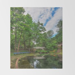 Jean-Drapeau Arch Pond Throw Blanket