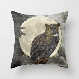 Rustic Great Horned Owl Bird Moon A271 Throw Pillow