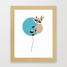Elliot et son voyage fantastique - Raton laveur Framed Art Print
