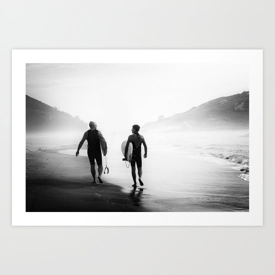 Surfers bond Art Print