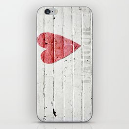L'amour iPhone Skin
