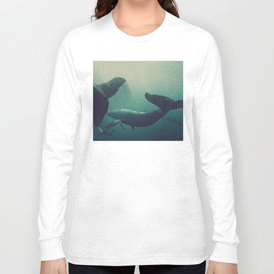 Swimming with whales Long Sleeve T-shirt