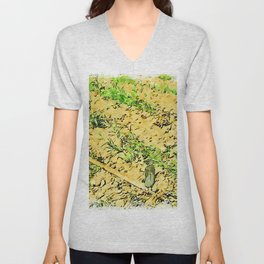 Hortus Conclusus: potatoes and hoe in the vegetable garden Unisex V-Neck