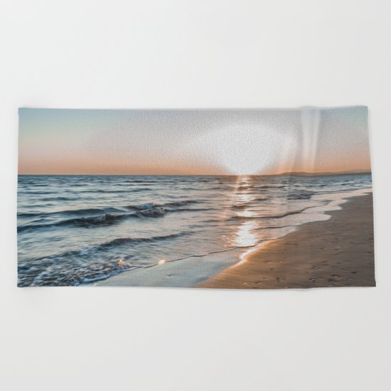 Eye of the sun Beach Towel