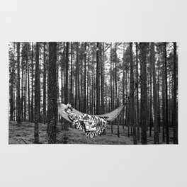 BETWEEN TREES Rug