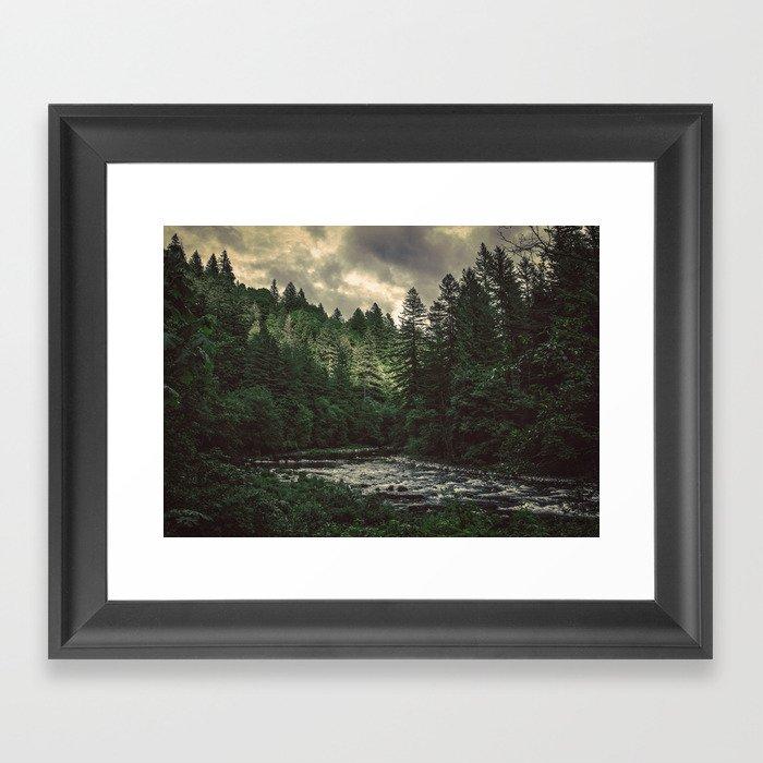 Pacific Northwest River - Nature Photography Gerahmter Kunstdruck