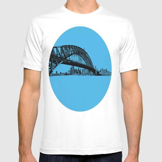 sydney in blue T-shirt