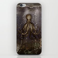 Octopus' lair - Old Photo iPhone & iPod Skin