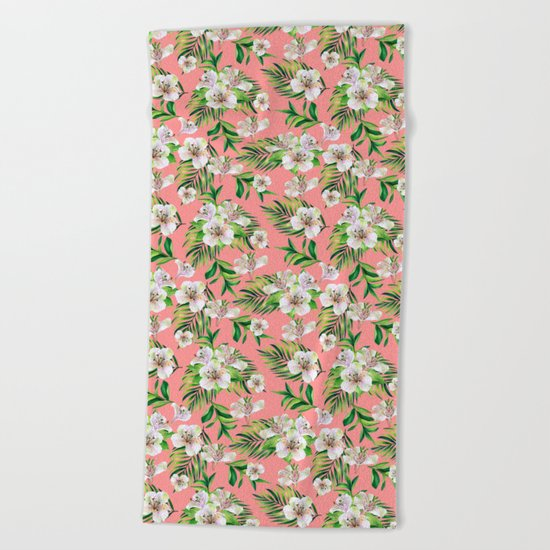 White flowers on a pink background Beach Towel