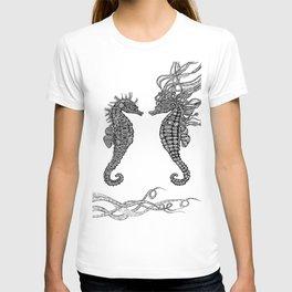 Seahorses love T-shirt