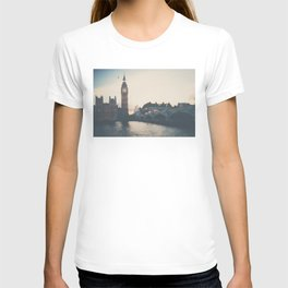 sunset over the city ... T-shirt