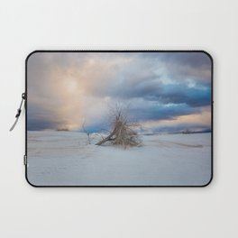 Adrift - Lone Tree In White Sands New Mexico Laptop Sleeve