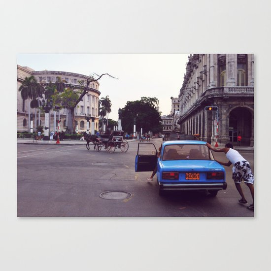 car vs carriage Canvas Print