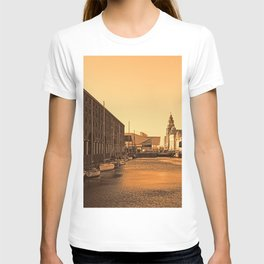 Albert Dock And the 3 Graces T-shirt